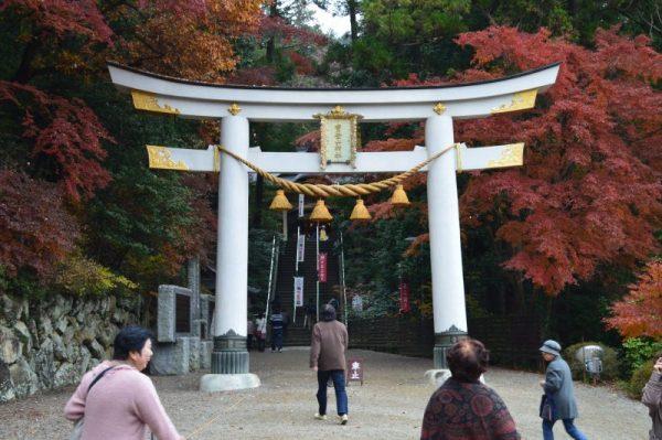宝登山神社 鳥居周辺