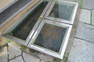 地面を流れる温泉