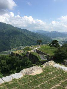 竹田城から見る麓