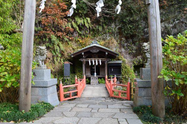 銭洗弁天 下之水神社と上之水神社