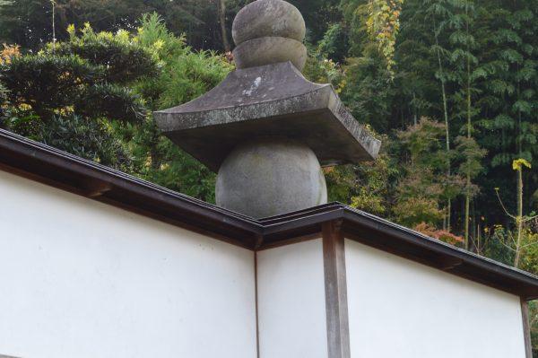 燈籠、墓石