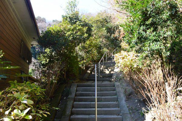 土牢への階段