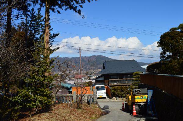 諏訪大社上社前宮 八ヶ岳の眺め